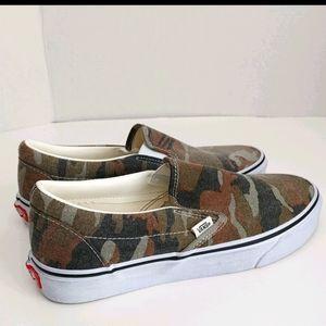 Vans Camouflage print Slip-on style Size 10 Ladies